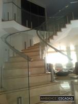 Guarda corpo curvo escada e mezanino