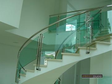 Guarda corpo para escada em vidro curvo