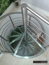 Escada cacarol de inox com degrau de vidro