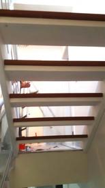 Escada de ferro na cor branca