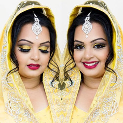 How #gorgeous is this #Bride!__ Loving this bold #CutCrease and #GoldGlitter look, topped with #Wing