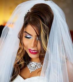 When a #gorgeous #bride wants a #ClassicRedLip..