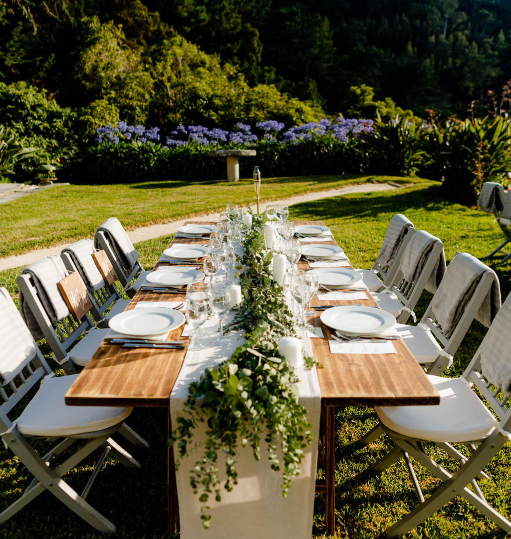 Table decoration outdoor wedding dinner in Portugal