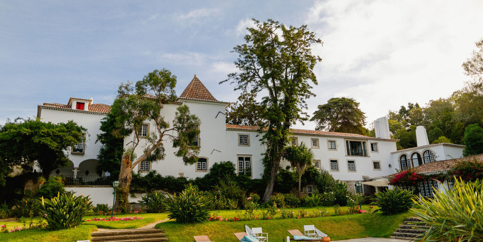 Garden of classic wedding venue in Sintra