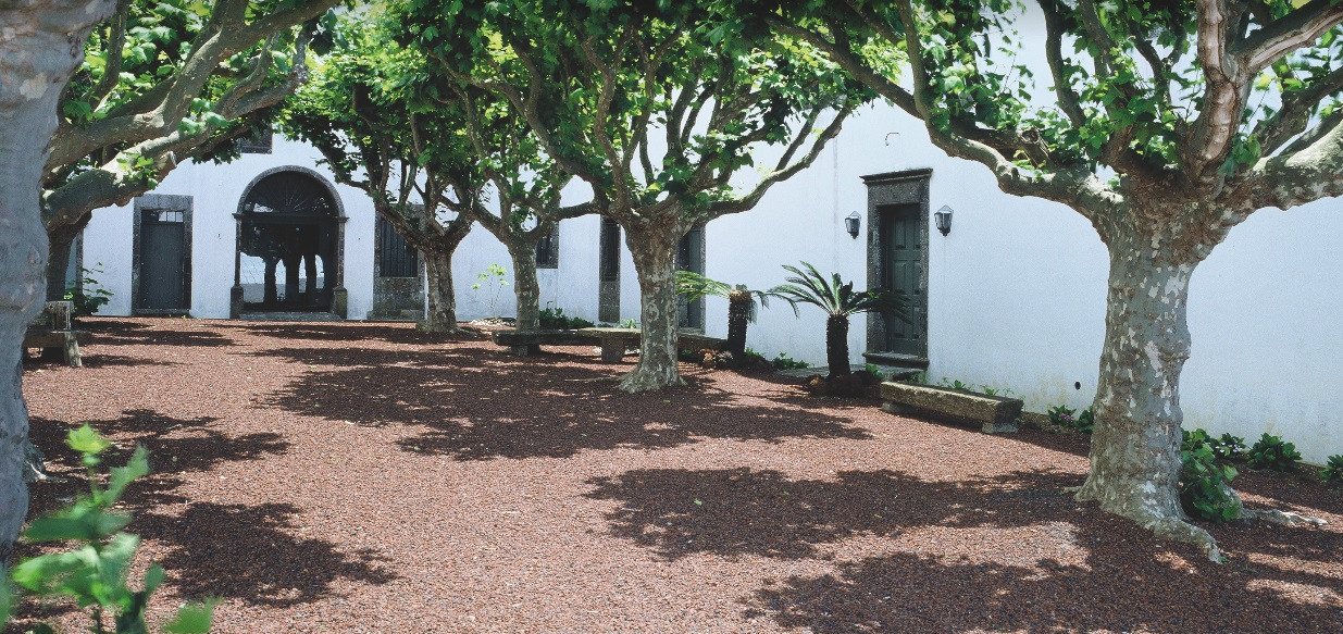 Patio of Portuguese cloister wedding venue