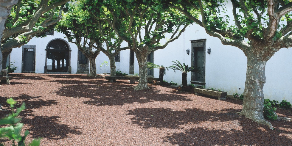 Patio of Portuguese cloister wedding venue