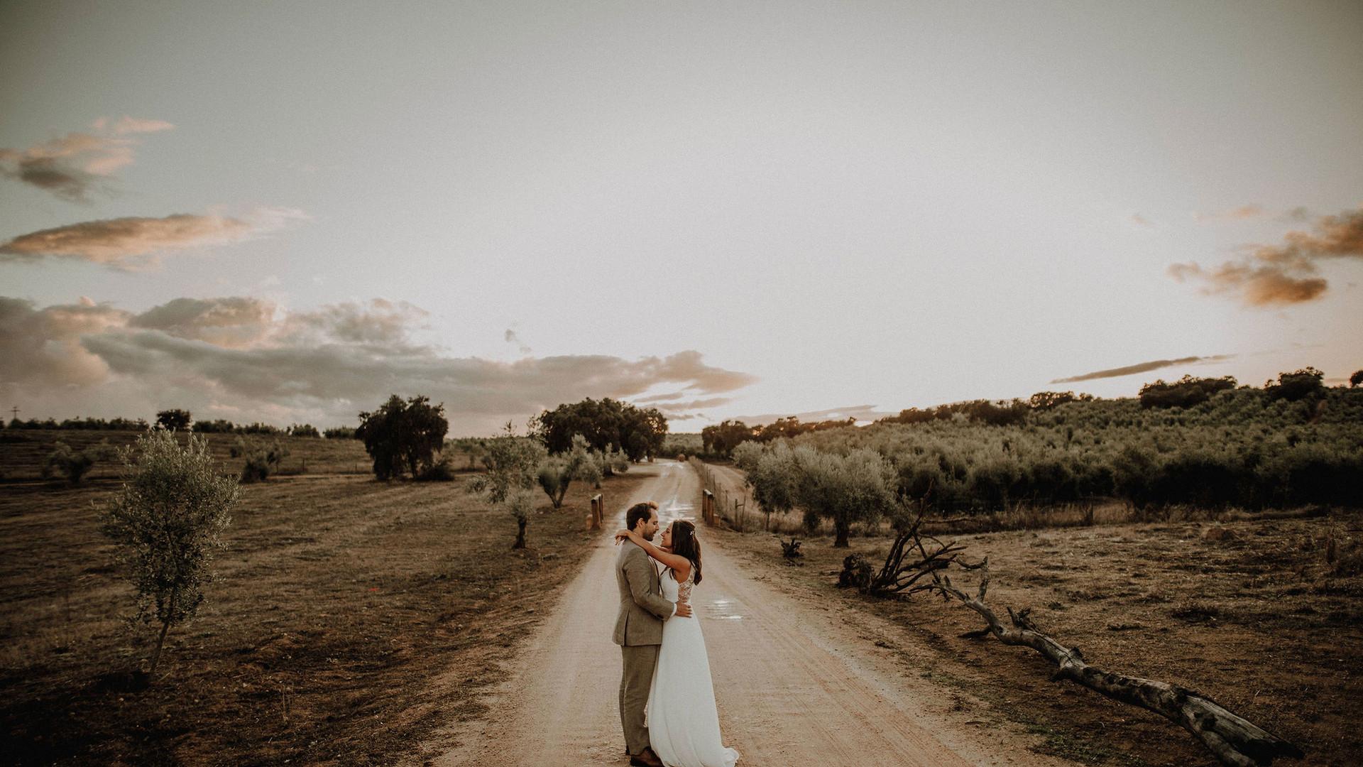 Bride & groom posing during photoshoot in Portugal