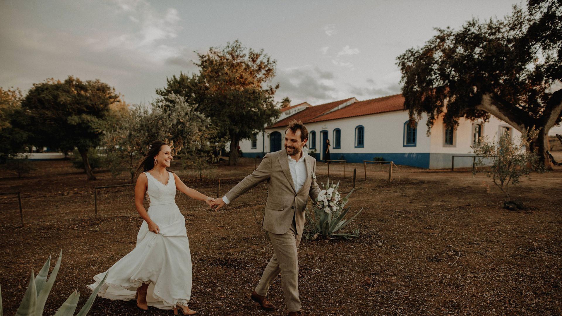 Bride & groom wandering photoshoot