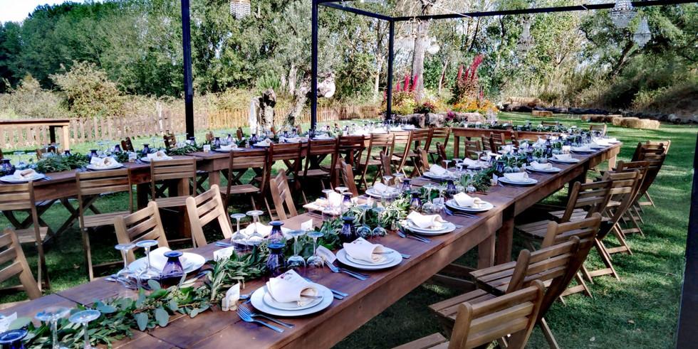 Outdoor wedding dinner setting in Alentejo
