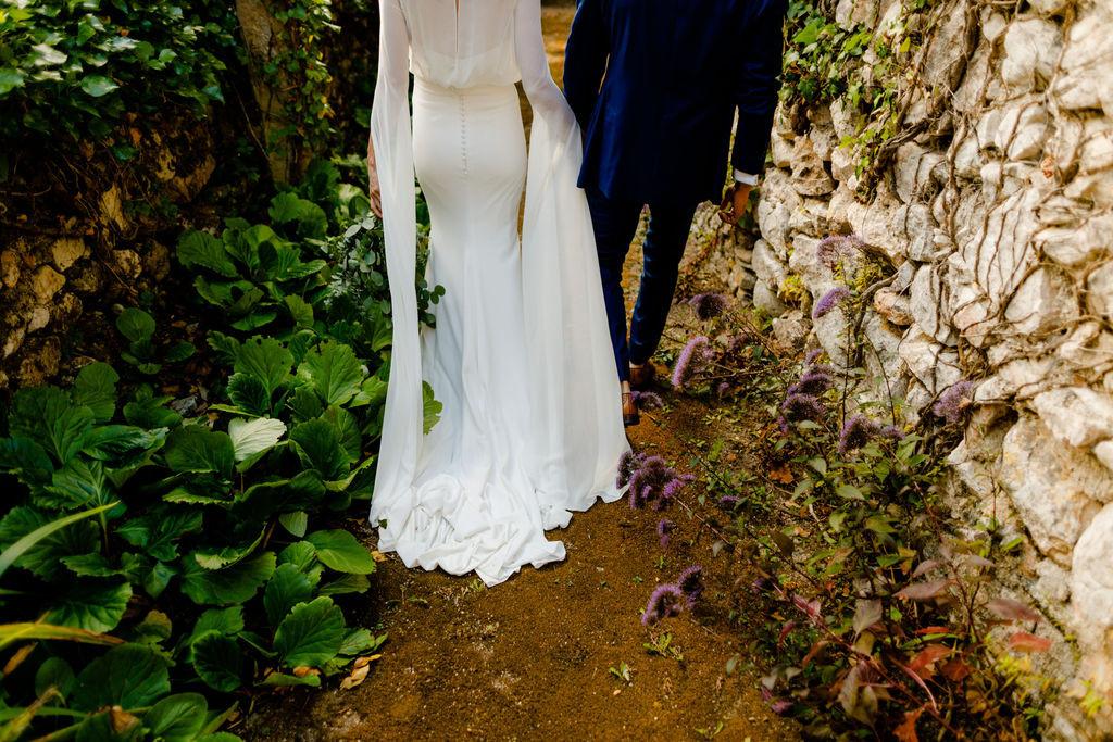 Bride & Groom photoshoot in gardens of Portuguese venue