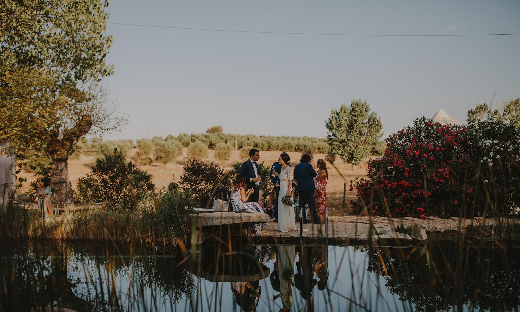 Outdoor wedding cocktail in Alentejo