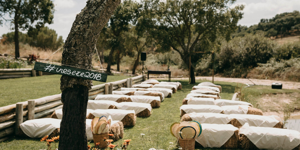 Ceremony setting in barn style