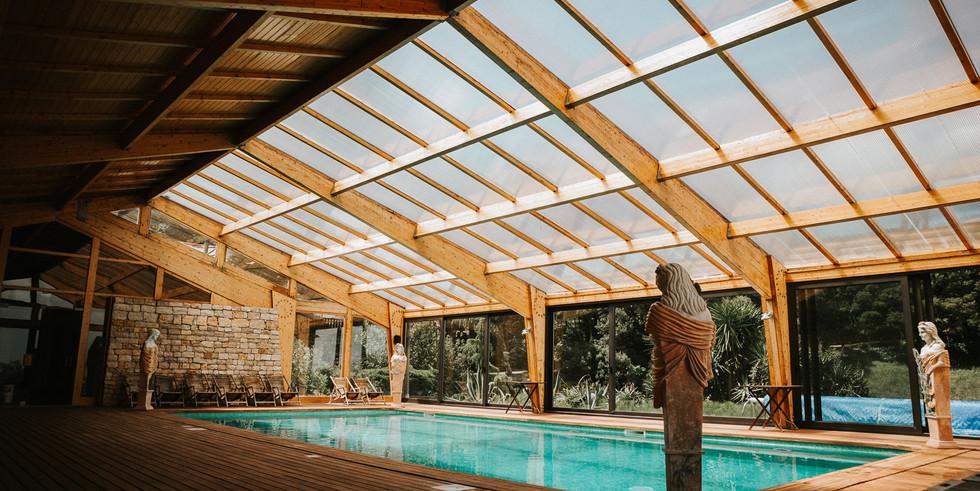 Indoor swimmingpool at wedding venue in Portugal