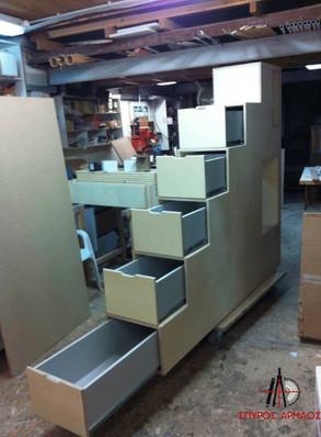 Σετ τριπλής κουκέτας και σκάλας με αποθηκευτικούς χώρους