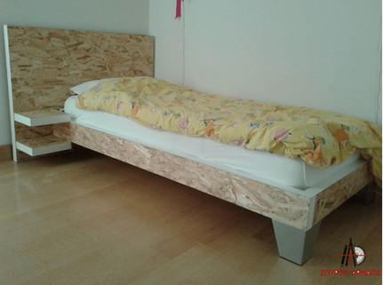 Κρεβάτι OSB με κομοδίνο