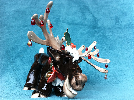 Reindeer & Baubles with Gold Lustre