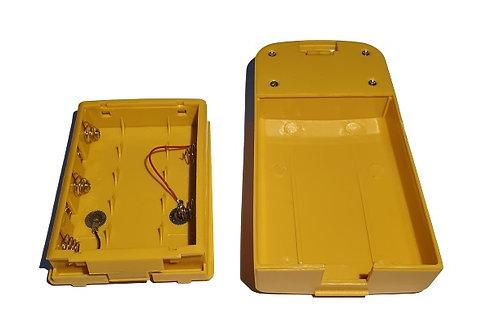 Caja para baterias AA marca South para teodolito modelo NP-10