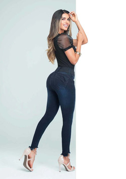 Jeans CR_Page_06_Image_0004