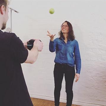Kerstin Obermoser von Iss bewusst vor der Kamera