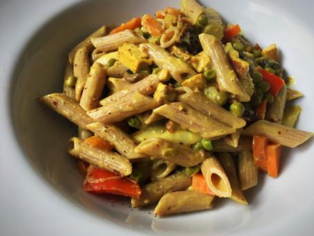 Spargelpasta mit Tofu & Gemüse in Hafersahne