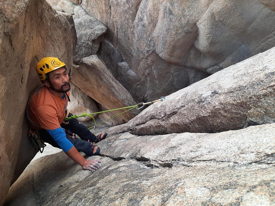 Rigzin Tsewang climbing in Shey Rock Area, Ladakh