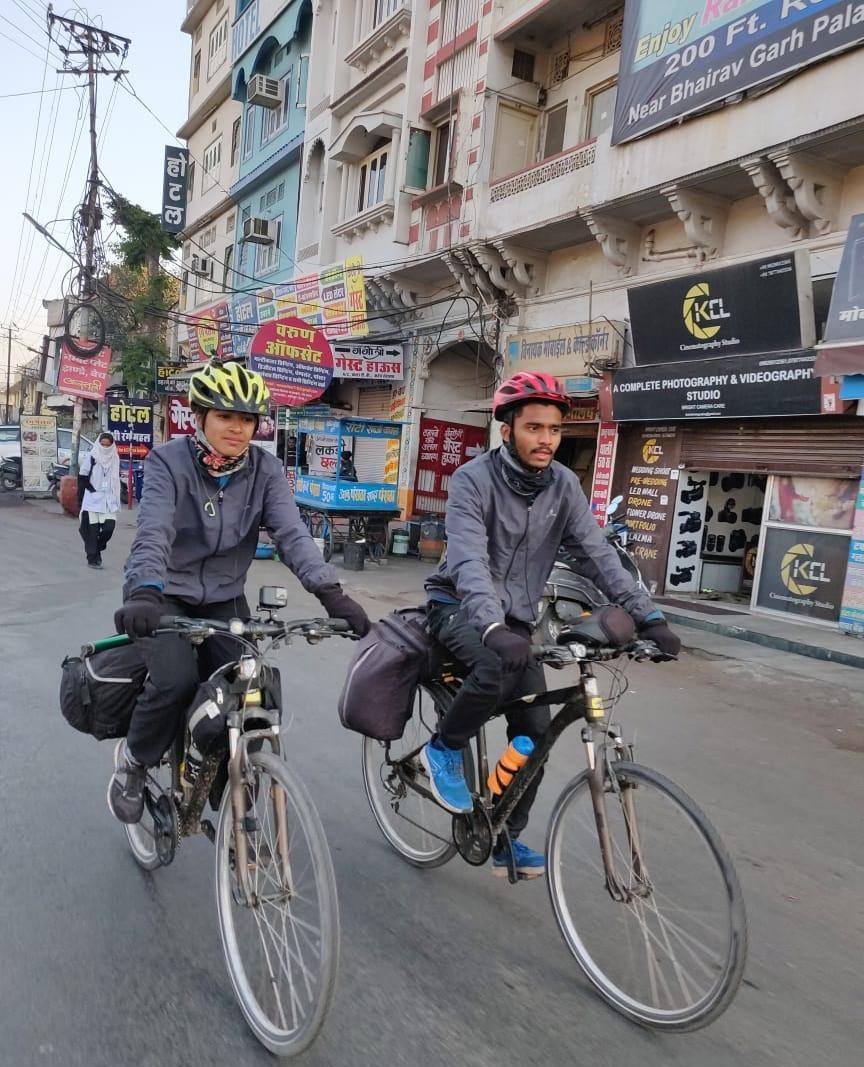 Sayali and Abhijit riding their way to Gujarat