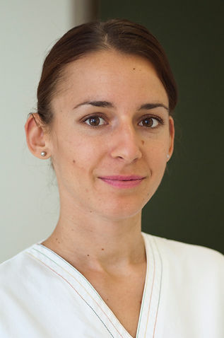 Ana Kovac, Assistenzzahnärztin