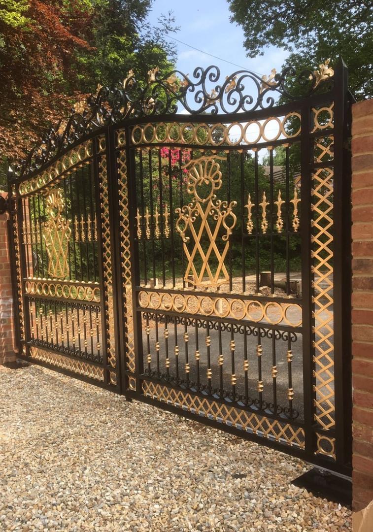 NFF 'Buckingham' gates