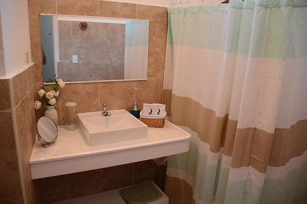 baño habitacion triple.JPG