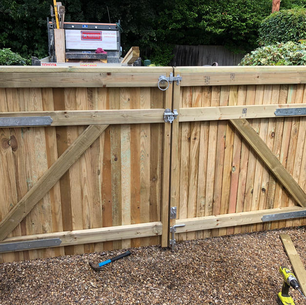 Double driveway gates in Warfield.