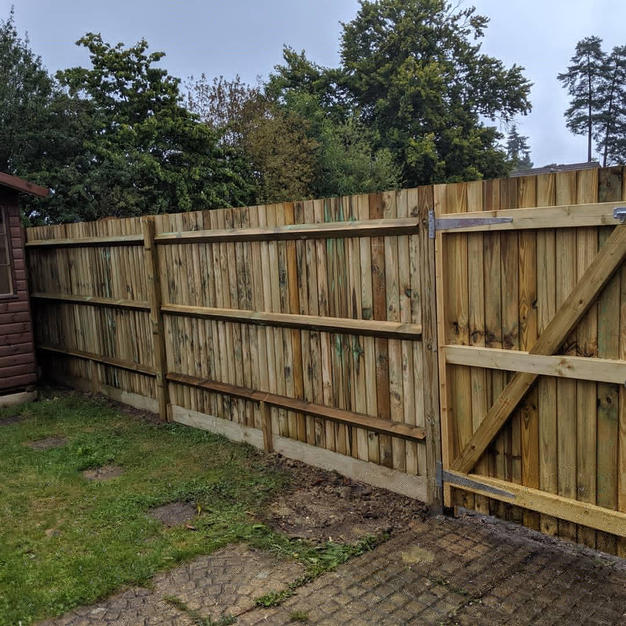 Timber featheredge fencing and gate in Forest Park.