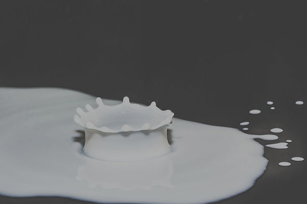 drops-of-milk-2062100_m.jpg