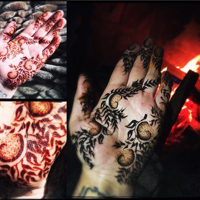Got to do some henna on myself next to a