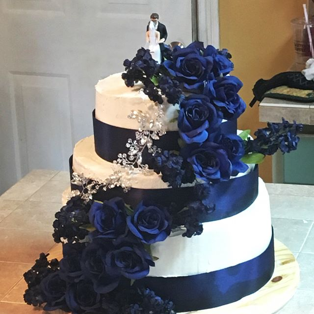 My first ever wedding cake!  Vanilla bea
