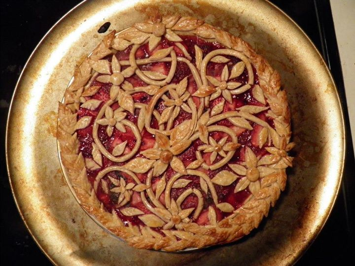 organic triple berry pie
