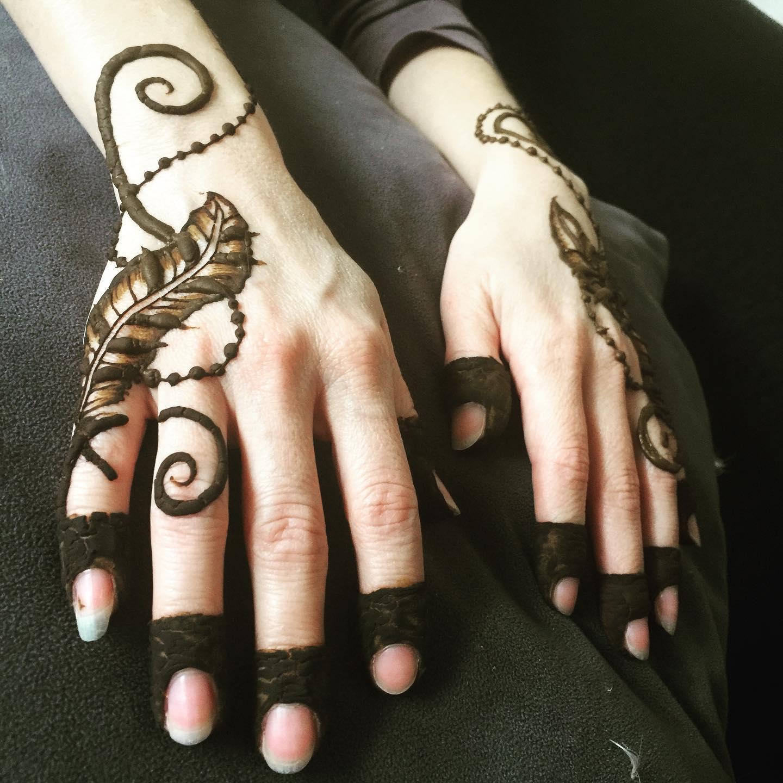 feather henna