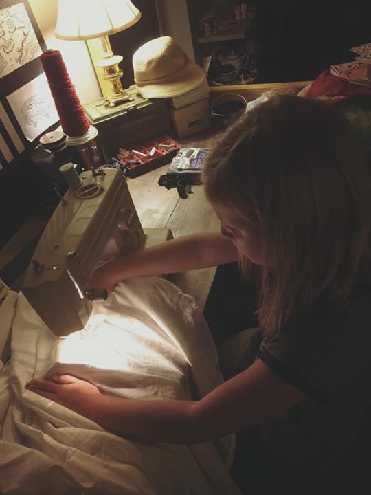 Teaching my daughter to sew. 💗