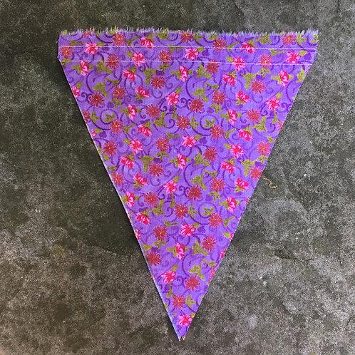 Wimpel violett mit Blümchen