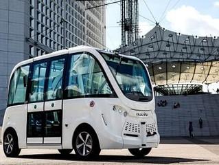 W pełni elektryczny autonomiczny pojazd miejski na ulicach Québecku