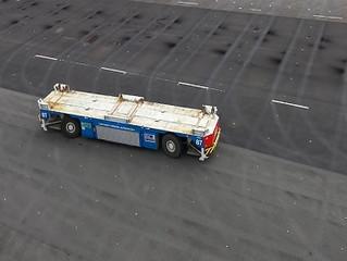 Elektryczne pojazdy w terminalu kontenerowym w Hamburgu