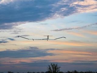 Samolot zasilany energią słoneczną pozostawał  w powietrzu przez blisko 26 dni