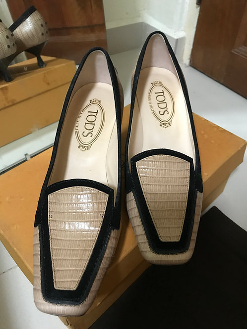 Tod's Textured Leather Heels (Size 38.5)