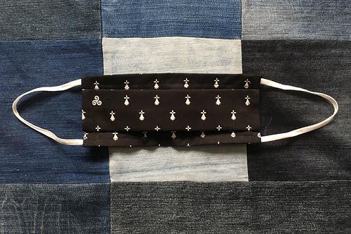 Masque tissu breton noir, semi hernines et triskell selon les normes AFNOR