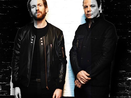 Lys & Steve Hewitt(Placebo)