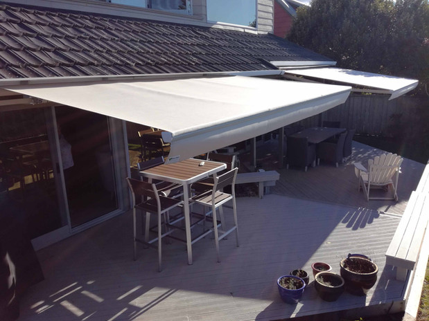 awning out_07_03.jpg
