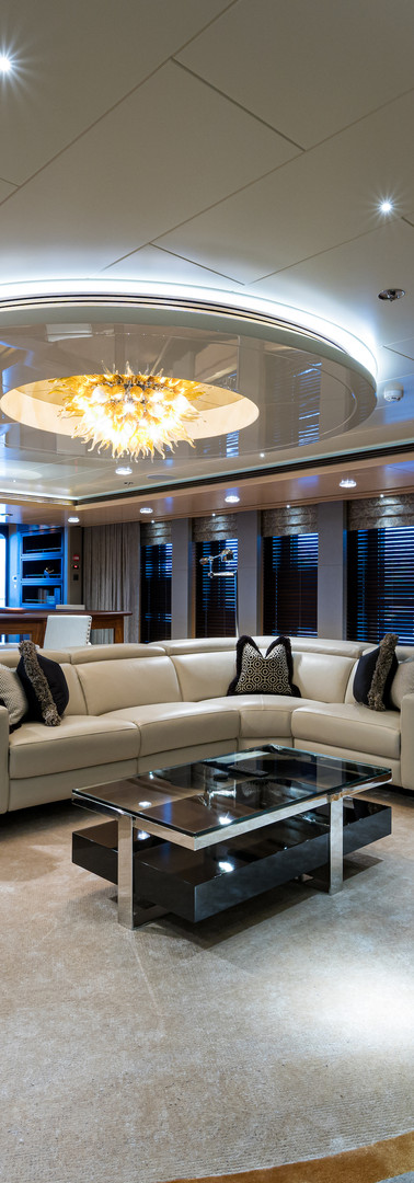 02 Quantum of Solace_skylounge_10.jpg