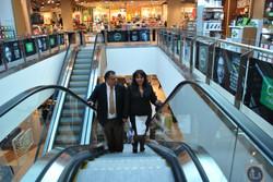 Alcalde y Seora Marybel Villa.JPG