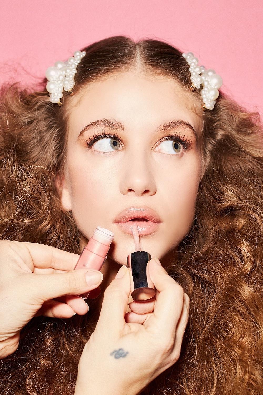 Model Camille Pecchiari | Makeup&Hair Elisa Rampi | Photo Emanuel Tosi