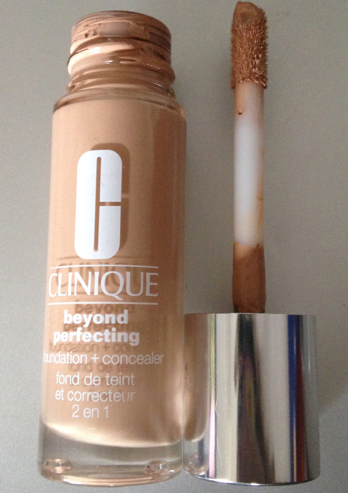 CLINIQUE Beyond Perfecting Foundation+Concealer 2in1