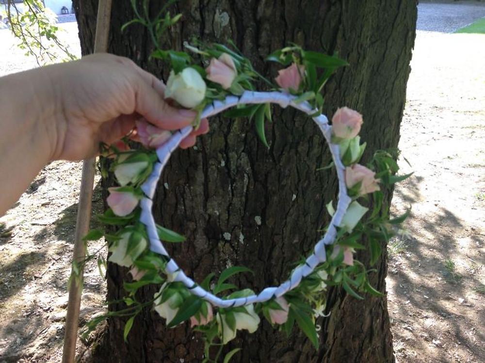 la cordoncino di fiori per la seconda acconciatura della sposa